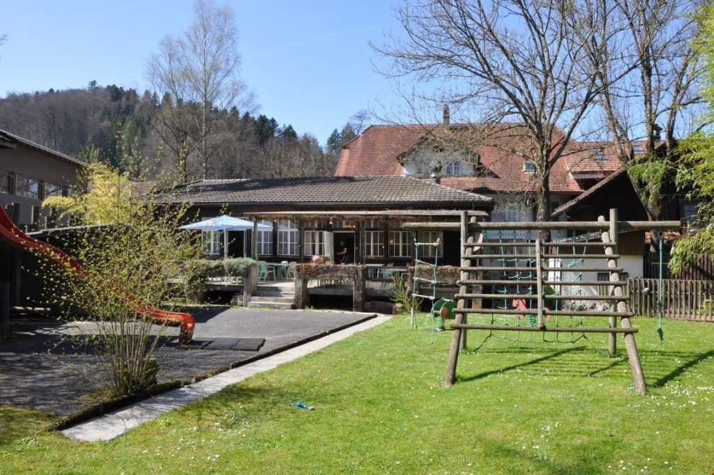 bild-heimeliges-und-weitbekanntes-restaurant-auf-dem-la-wiliberg (9)